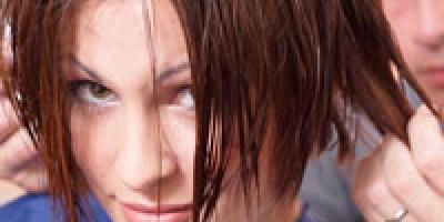 treat-dandruff-to-avoid-hair-loss