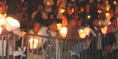 international-aids-candlelight-memorial