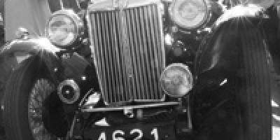 lsquo-vintage-car-rallye-rsquo-hommage-aux-belles-de-la-route