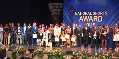 national-sports-award-julien-paul-et-roilya-ranaivosoa-couronnes