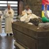 le-pape-francois-se-rendra-au-caveau-du-pere-laval-lors-de-sa-visite-le-9-septembre