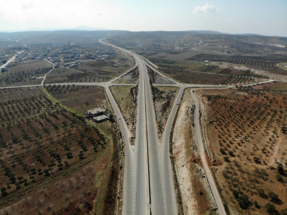 Vue aérienne de l\'autoroute M4, qui relie le nord et l\'ouest de la Syrie, prise le 17 février 2020