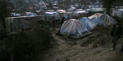les-insulaires-grecs-manifestent-a-athenes-contre-les-camps-de-migrants