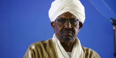crimes-au-darfour-khartoum-dit-vouloir-remettre-bechir-a-la-cpi