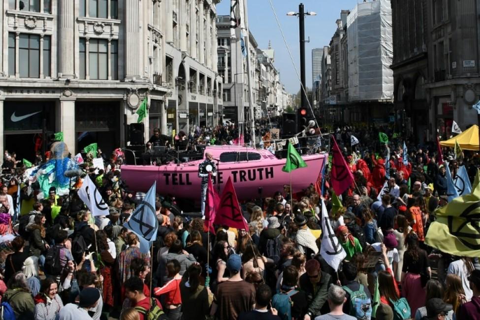 Manifestants réunis le 15 avril 2019 dans le centre de Londres, à l\'appel du mouvement Extinction Rebellion pour un \