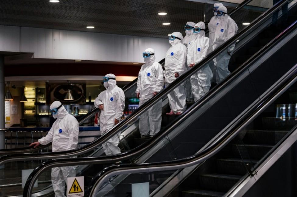 Personnel médical à l\'aéroport Sheremetyevo de Moscou, le 18 mars 2020