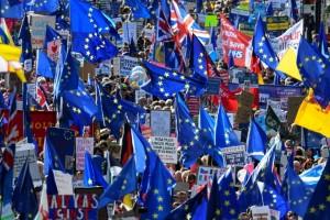 Des dizaines de milliers de manifestants anti-Brexit à Londres