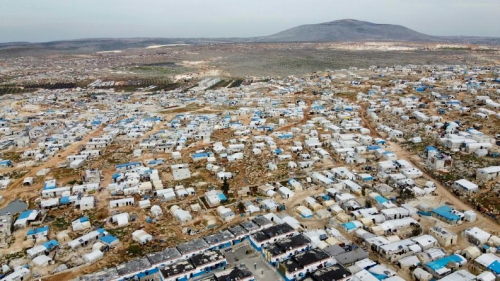 Vue aérienne du camp de déplacés syriens à Dayr Hassan, le 5 mars 2020 dans la proince d\'Idleb
