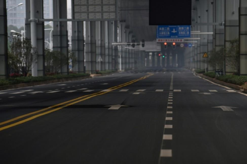 Une avenue déserte de Wuhan, épicentre de l\'épidémie, le 25 janvier 2020