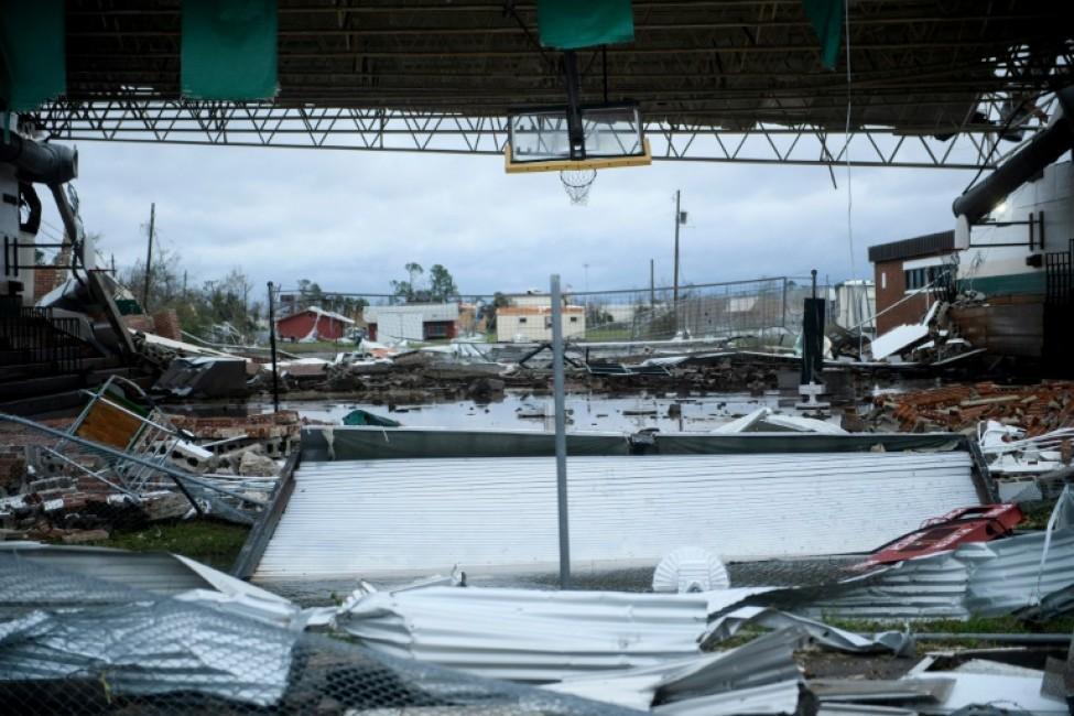 Un magasin endommagé par l\'ouragan à Panama City en Floride, le 10 octobre 2018