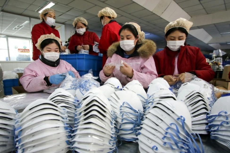 Dans une usine chinoise de fabrication de masques de protection à Handan (nord), le 22 janvier 2020