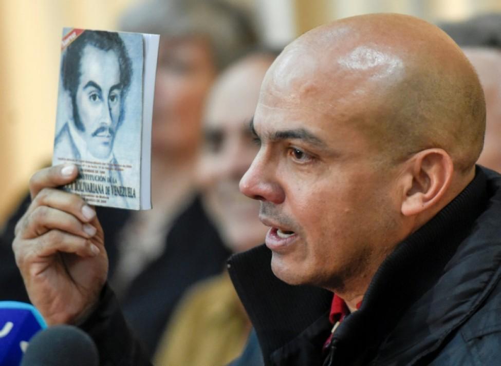 L\'ex-général vénézuélien Cliver Alcala lors d\'une conférence de presse en juillet 2016 à Caracas