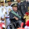 Photo archive du 19 avril 2018 montrant le commandant en chef des armées brésiliennes, le général Eduardo Villas Boas, lors d\'un défilé militaire à Brasilia