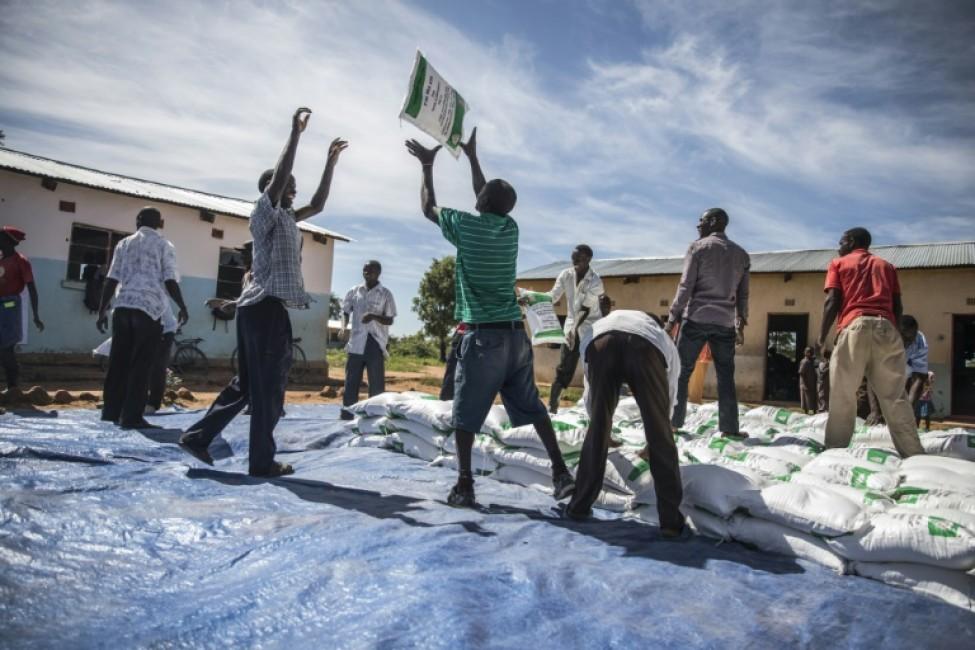 Distribution d\'aide alimentaire à Simumbwe, le 22 janvier 2020 en Zambie