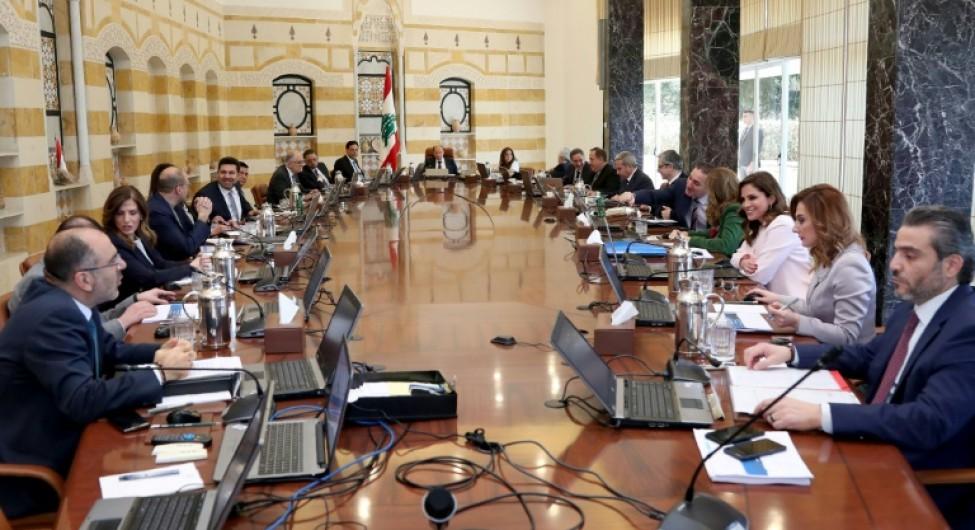 Photo fournie par l\'agence libanaise Dalati and Nohra montrant une réunion ministérielle au palais présidentiel à l\'est de Beyrouth, le 7 mars 2020