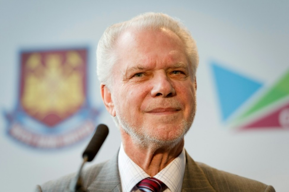 West Ham\'s co-chairman David Gold wants an end to clubs paying agents\' fees