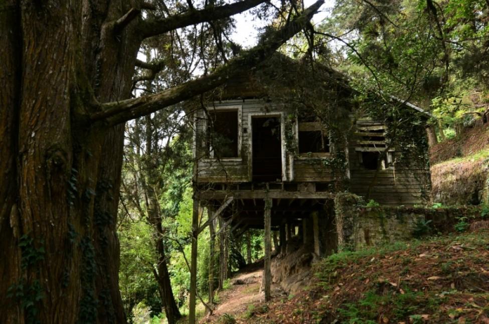 Une maison abandonnée ayant appartenu aux responsables d\'une mine d\'or et d\'argent américaine fermée en 1954 à San Juancito, le 4 février 2020 au Honduras