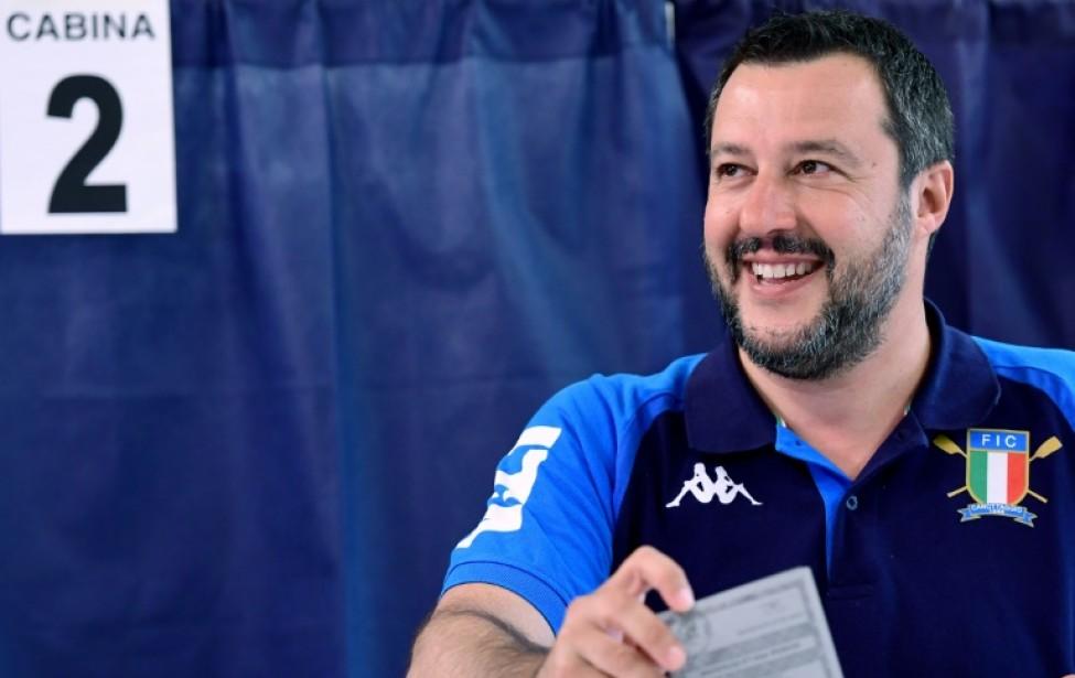 Matteo Salvini dans un bureau de vote à Milan, le 26 mai 2019, lors des élections européennes.