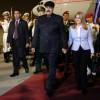 Photo rendue publique par la présidence vénézuélienne montrant le président Nicolas Maduro et sa femme Cilia Flores à leur arrivée à Pékin le 13 septembre 2018