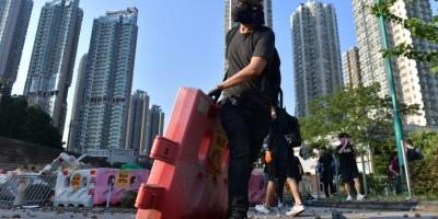 hong-kong-brefs-affrontements-pour-le-seizieme-week-end-de-manifestations