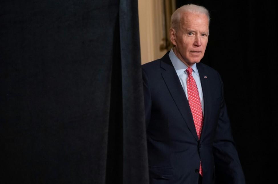 Le candidat démocrate à la Maison Blanche, Joe Biden, arrive pour une conférence de presse sur le Covid-19, dans la ville de Wilmington, dans le Delaware, le 12 mars 2020