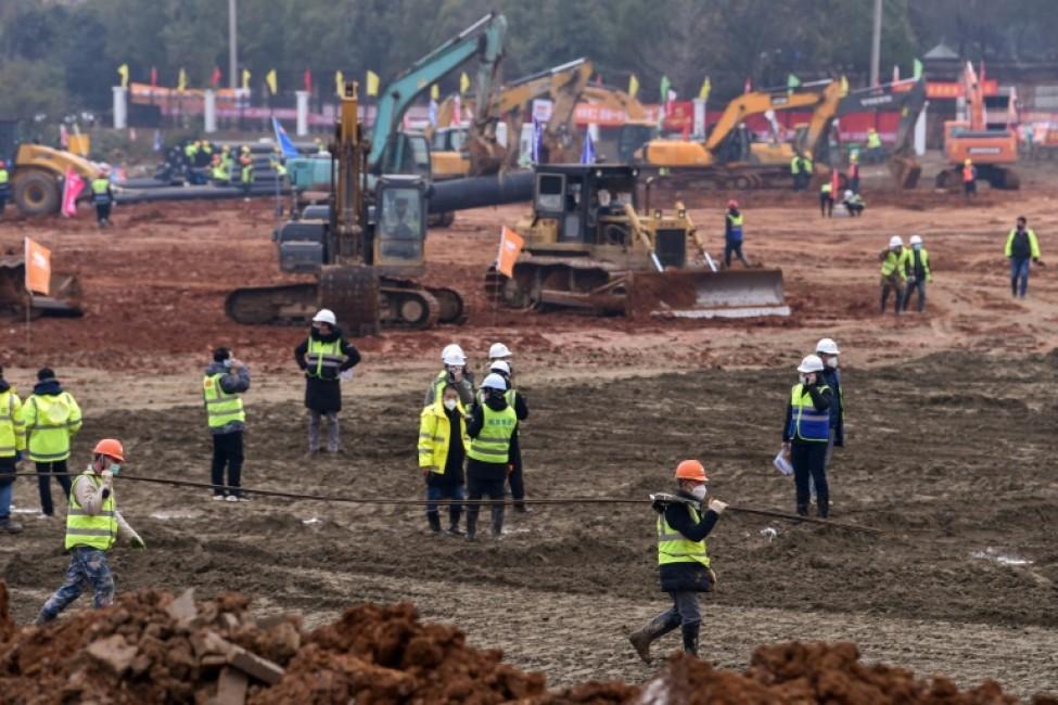Le site de construction d\'un nouvel hôpital à Wuhan, en Chine, épicentre du nouveau coronavirus, le 27 janvier 2020.