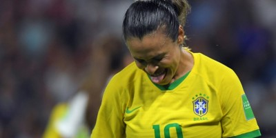 cry-at-beginning-smile-at-end-marta-makes-emotional-brazil-plea