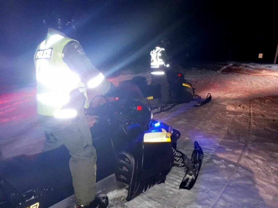 Photo des opérations de secours et de recherche près du lac Saint-Jean, dans le nord du Québec, transmise le 22 janvier 2020 par la police québécoise