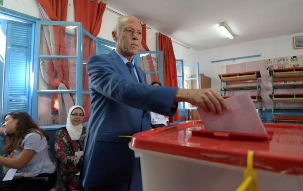 Le candidat à la présidentielle Kais Saied, un indépendant, vote lors des législatives du 6 octobre 2019 à Tunis