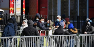 a-new-york-les-morts-s-accumulent-mais-les-hopitaux-tiennent-encore